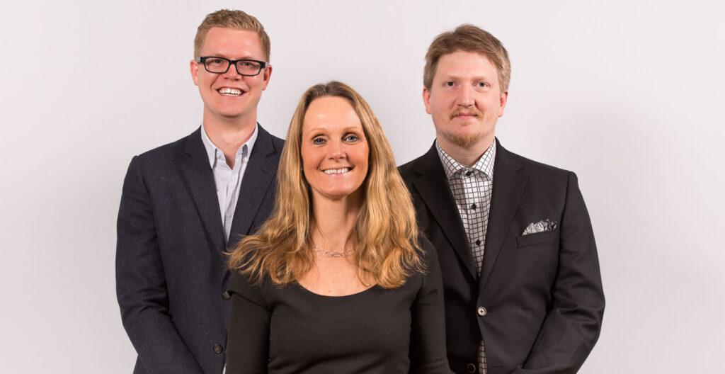 Tonåringen Adapt började bli vuxen. Här Charlotte Odbjer, Viking och Jonathan på Adapt.